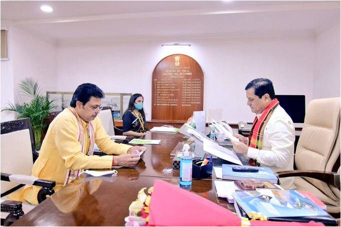 Shri Sonowal assured of full support for furthering the development of inland waterway projects of Tripura on priority basis