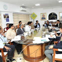 Secy (Shipping) held VC review meeting with Chairman of all major & minor ports & State Maritime Boards regarding steps for #COVID19. Shipping Ministry Officials, Bureau of Immigration, MEA & @MoHFW_INDIA were also present in the meeting.