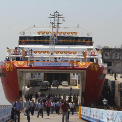 The ROPAX service from Mumbai 2 Mandwa would be a boon for more than 15 lakh travellers. The state of art ROPAX M2M-1 Vessel would reduce carbon footprint reiterating Ministry's commitment for promoting Waterways mode transportation in the country.