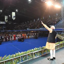 Prime Minister Shri Narendra Modi Acknowledging the Crowd during Kolkata Port Celebrations