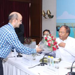 Sh.D K Rai, Director,Sagarmala welcoming Hon'ble MP from Andaman&Nicobar Sh.Bishnu Pada Ray