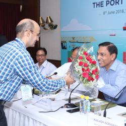 Sh.DK Rai, Director, Sagarmala welcoming Secretary(Shipping) Sh. Gopal Krishna
