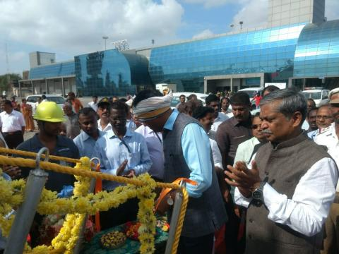 Shri Mansukh Mandaviya, Union Minister of State for Shipping (Independent Charge) and Chemicals _ Fertilizers launching Emergency Towing Vessel (ETV) at Chennai Port